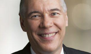 """נשיא ומנכ""""ל אפלייד מטיריאלס גארי דיקרסון"""